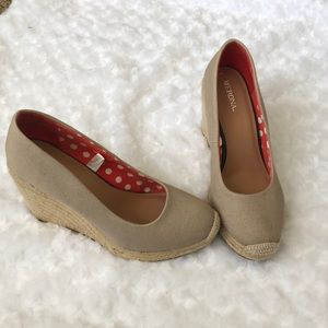Canvas wedges